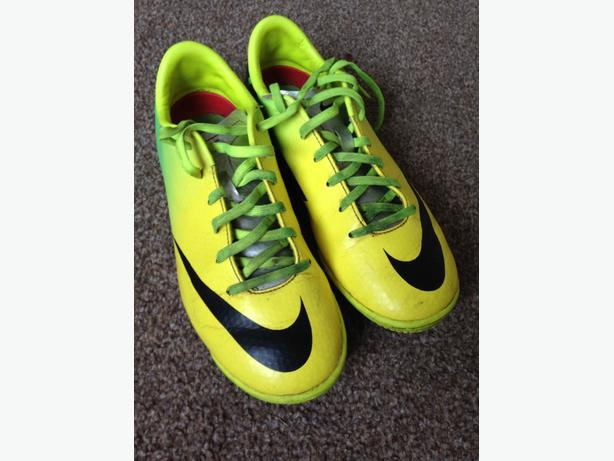 Nike Mercurial Astro Football Boots