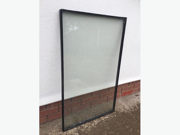 Double glazing glass pane