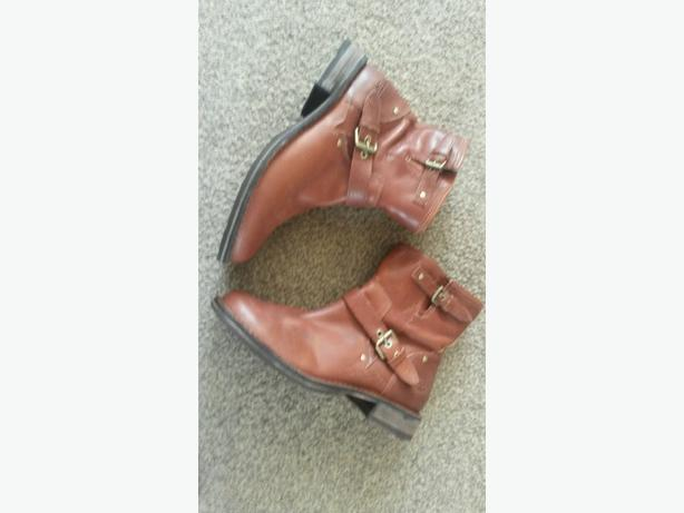 brown ugg boots size 6.5