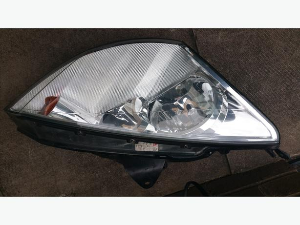 ford focus mk 1 o/s head light