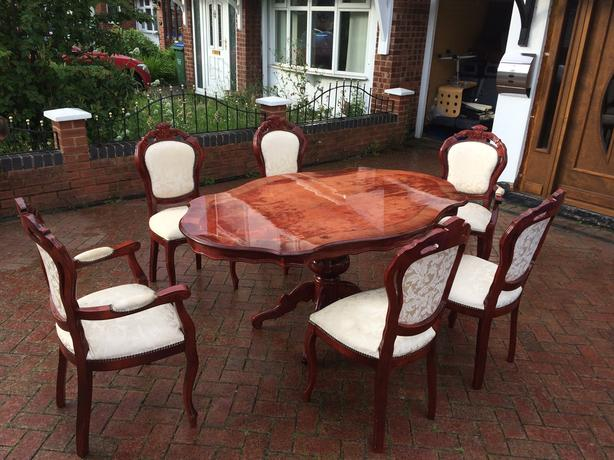 Italian Dining Table With 6 Chairs 2 Carvers Vgc Free
