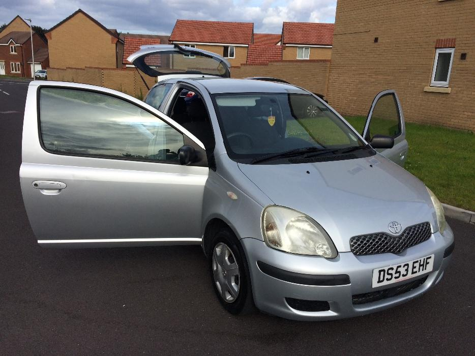 toyota yaris 2004 80k fsh vvt i 998cc 12 months mot sandwell sandwell. Black Bedroom Furniture Sets. Home Design Ideas