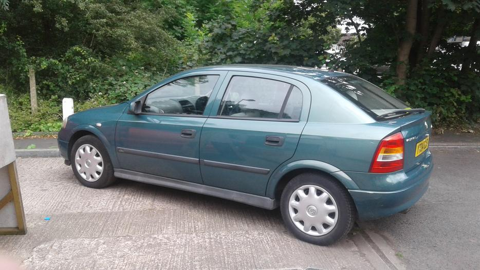 Vauxhall Astra 1 6 Club 8v 5door Hatchback 04 Plate Brierley Hill Sandwell