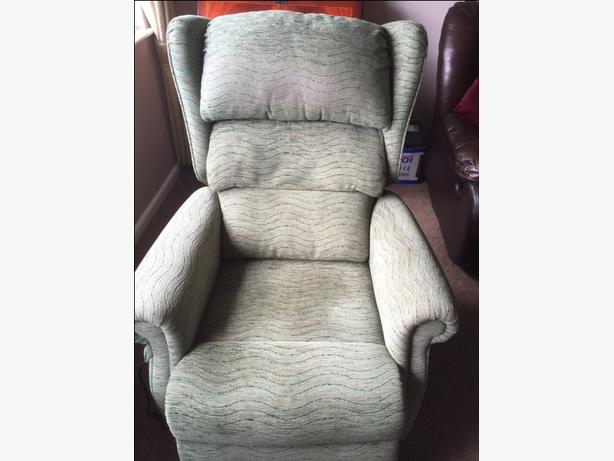 Electric Riser/Reclining Armchair