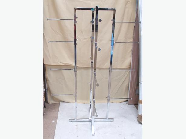 Clothing Retail Display Stand – 16 Arms Collection Only