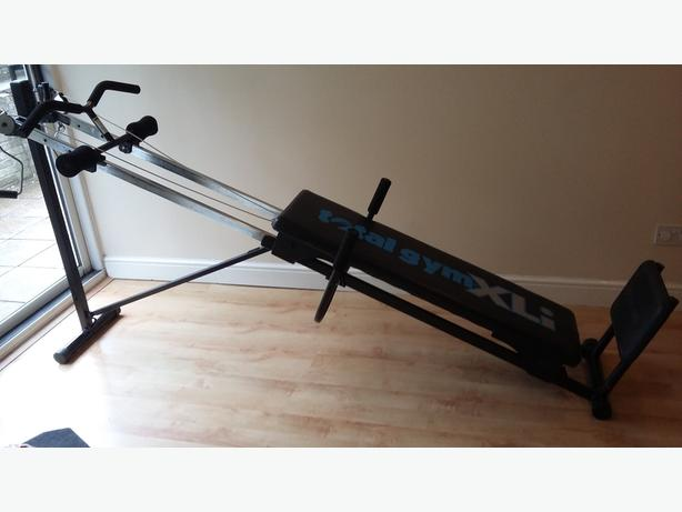 Total gym xli exercise machine with accessories and manual | in.