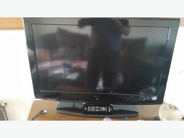 """32"""" Hitachi tv"""