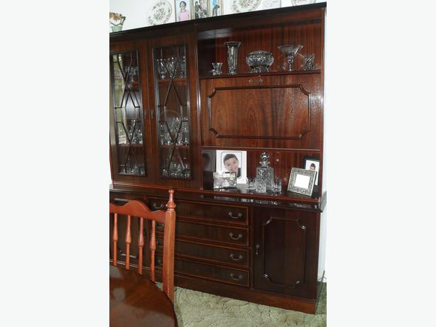 Vintage Style Mahogany Wall Unit Display Cabinet As New