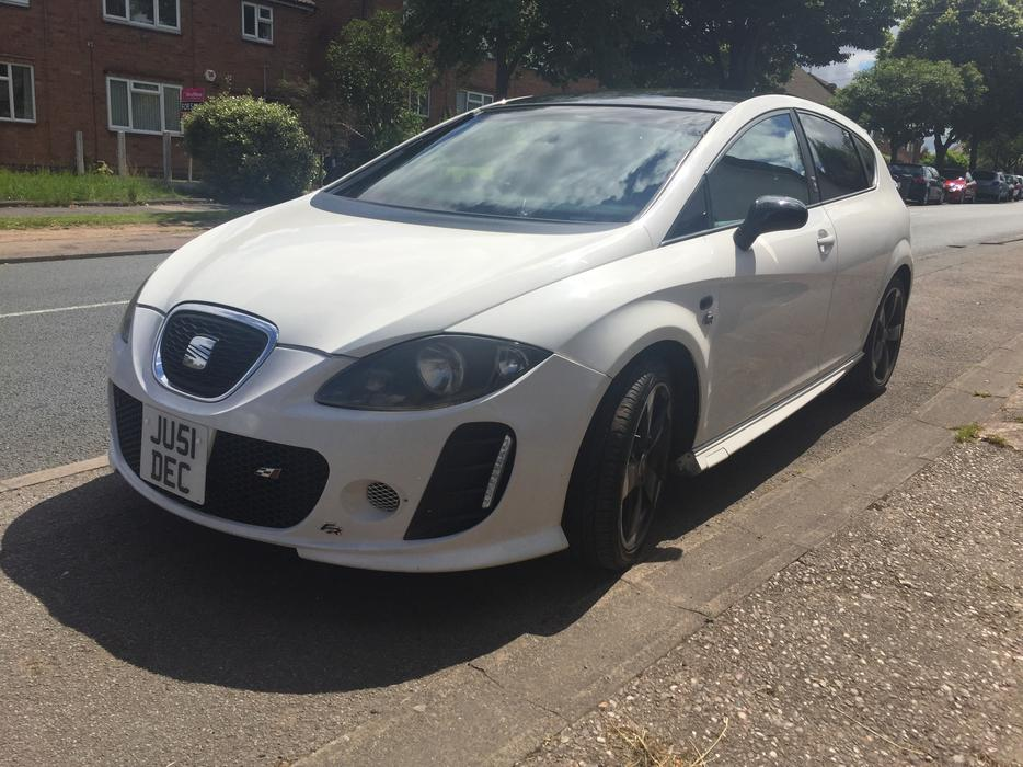 2009 09 seat leon 1 4 turbo tsi k1 rep white smethwick. Black Bedroom Furniture Sets. Home Design Ideas