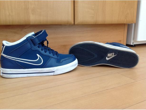 genuine Nike size 4 hightops