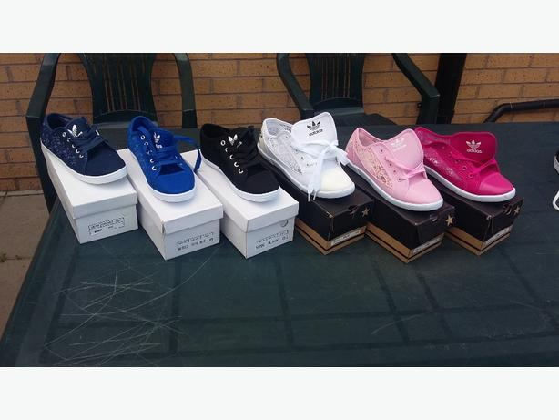 58edc8ecb0a Adidas lace pumps !! New Wednesbury