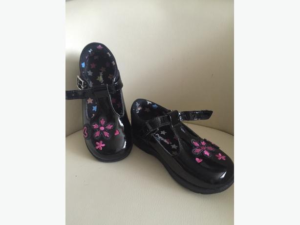 New unworn girls shoes