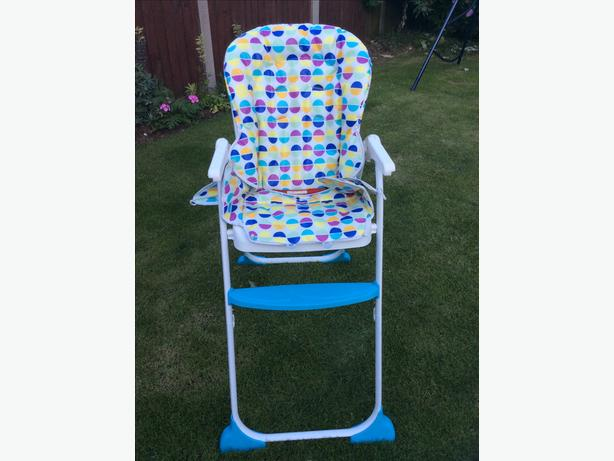 Joie baby high chair foldable with wipe free seat