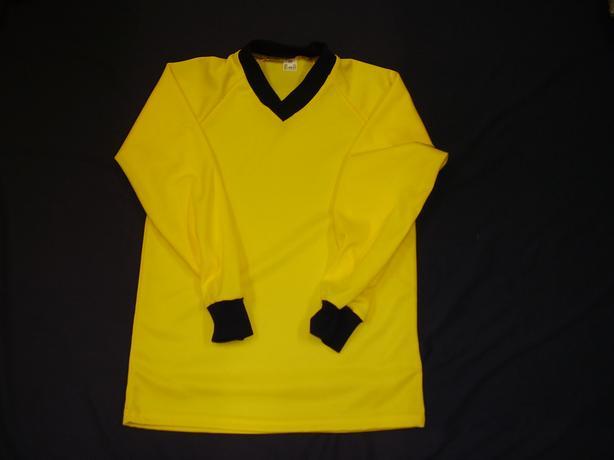 brand new set of kids football shirts 15 x 34/36