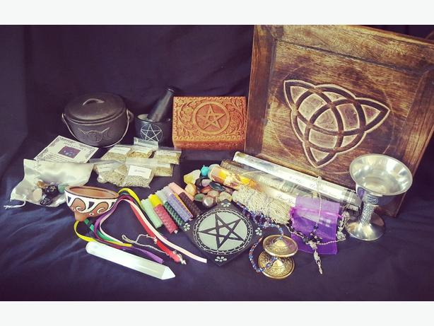 Large witchcraft set / wiccan / pagan