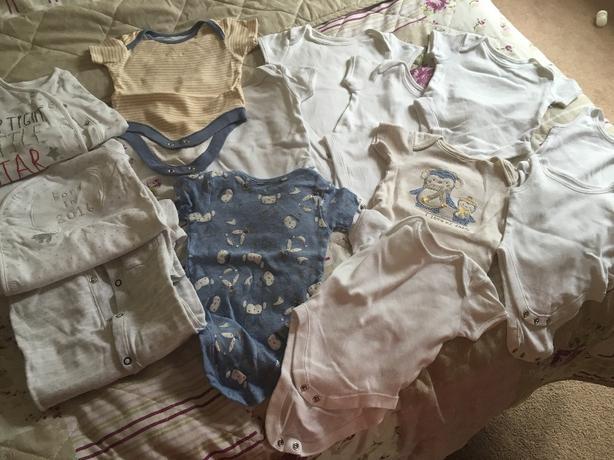 unisex newborn/0-3 vests & babygrows