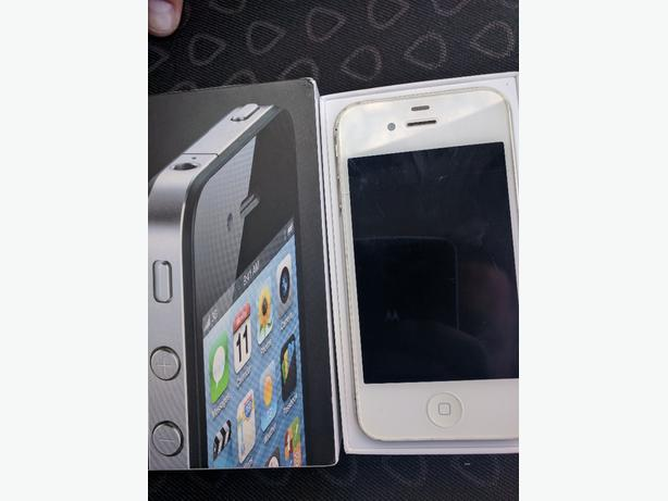 Apple iPhone 4. White 8GB on EE/Virgin Network. Boxed.