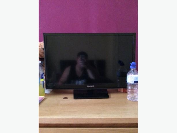"Samsung 22"" HDTV"