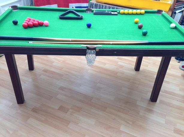 snooker /pool table
