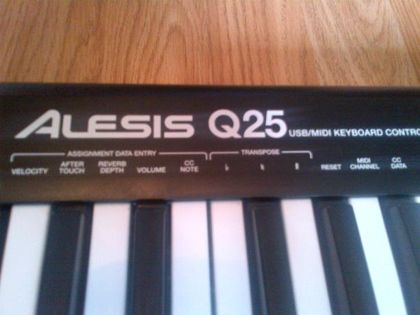 Midi usb Keyboard for sale ALESIS q25