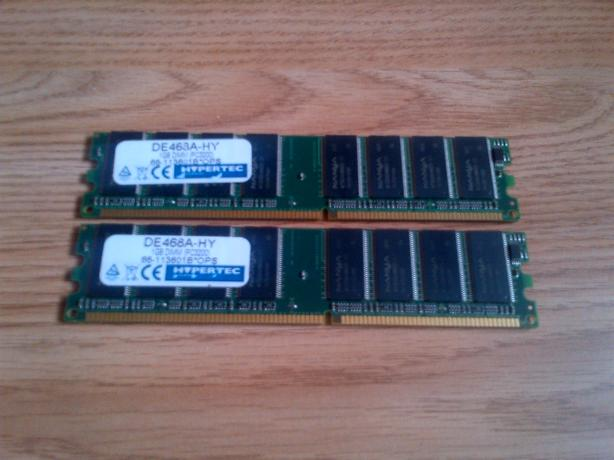Memory cards for sale  £15 X2 DDR3 1G X1 DDR2 1G