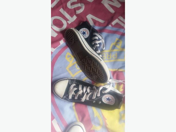 black converse trainers size 3.5