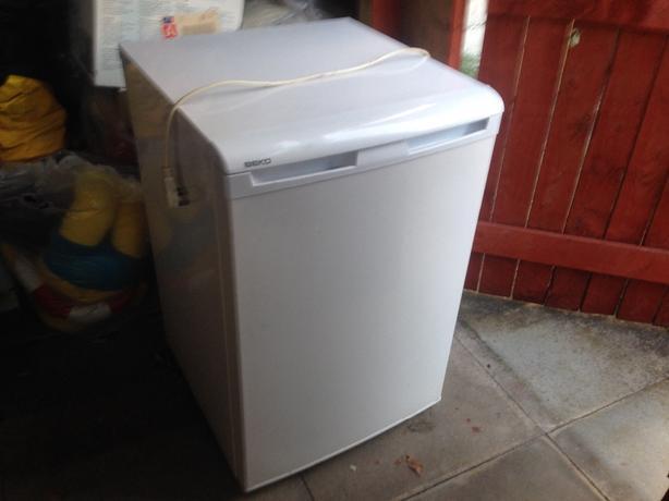 under work top beko freezer