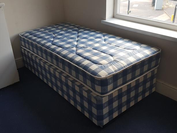 Single Beds x5 available to collect and take away