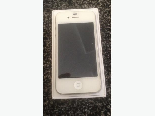 8GB Iphone 4 in White £10 No Offers