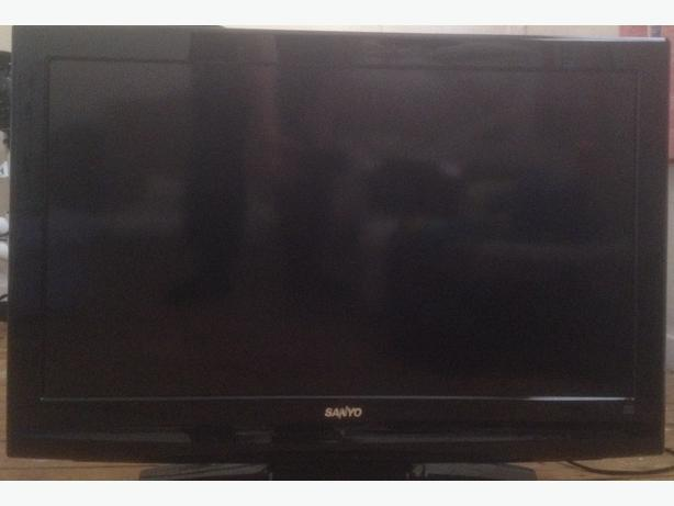 QUICK SALE! Sanyo 32inch LED TV £10