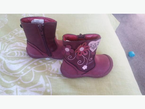 Baby girls boots size 2