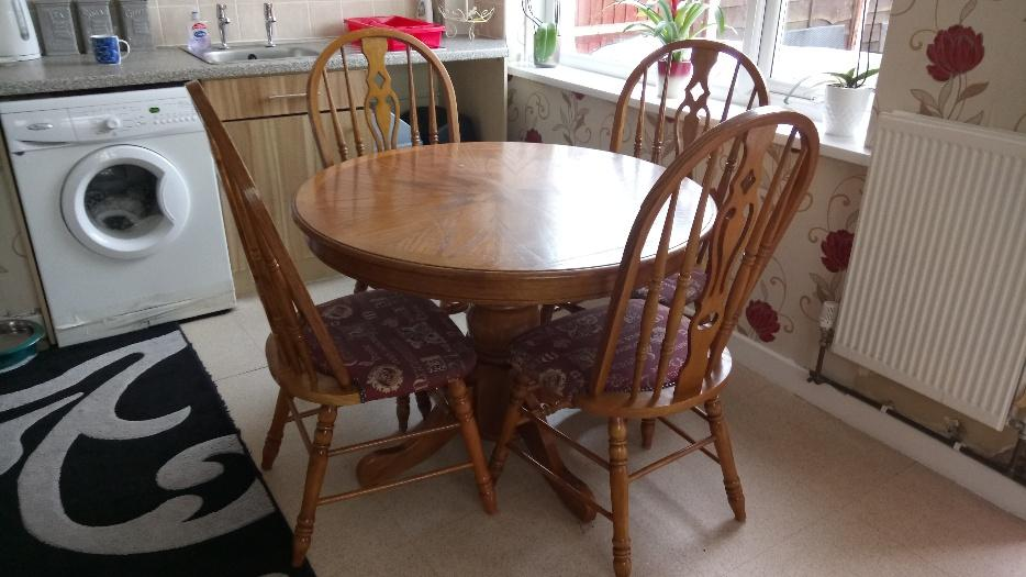 Solid wood dining table and chairs Pelsall Wolverhampton : 105775843934 from www.usedwolverhampton.co.uk size 934 x 525 jpeg 72kB