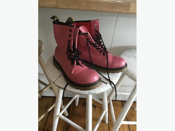 pink dockers