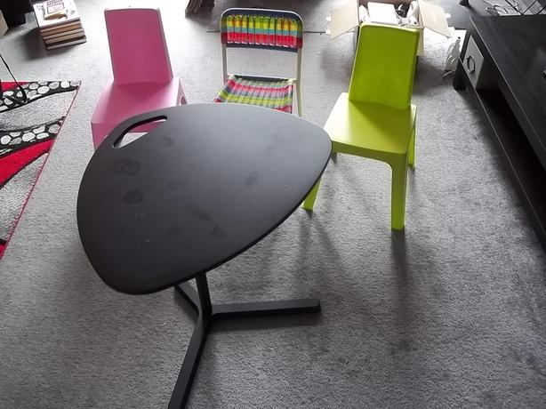 3 KIDS CHAIRS AND SMALL LAPTOP TABLE - PINK GREEN RAINBOW