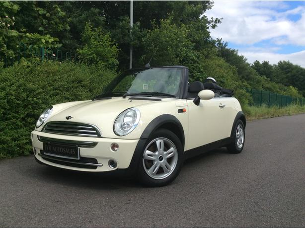 MINI CONVERTIBLE 1.6 PETROL 2dr