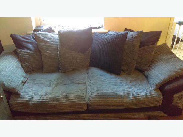 2.3 seater sofas