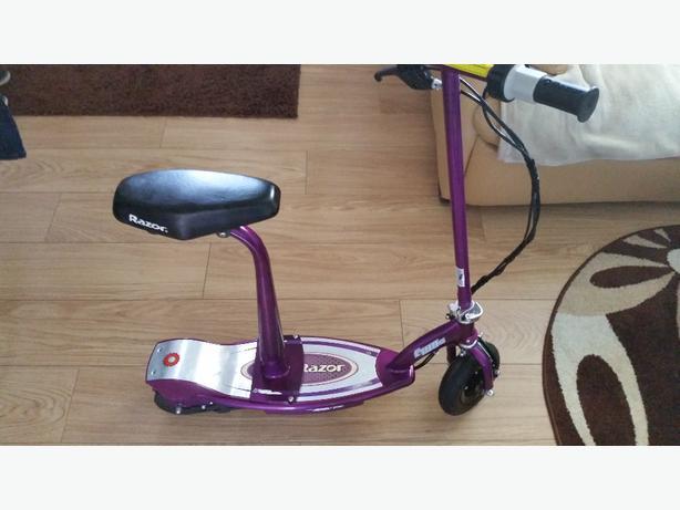 Electric scooter Razor E100s