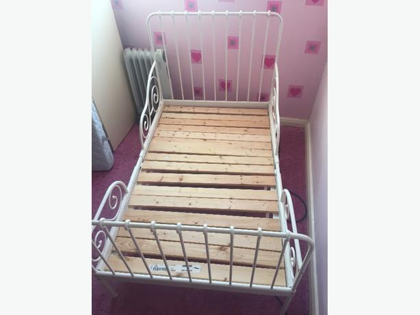 GOOD CONDITION childrens single bed