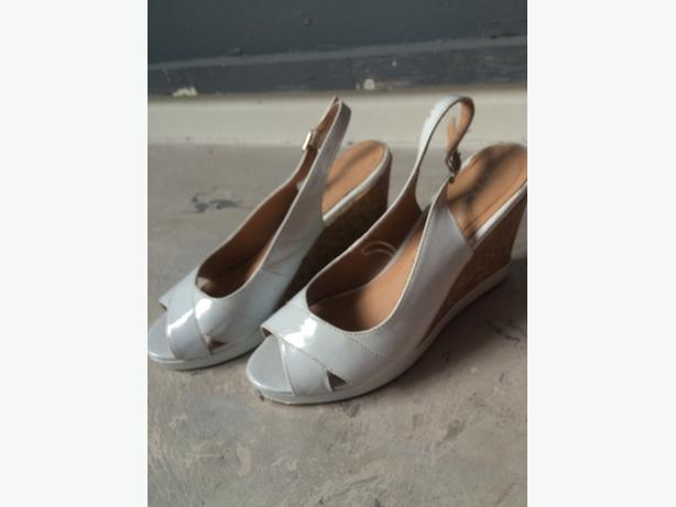 shoes £3 per pair