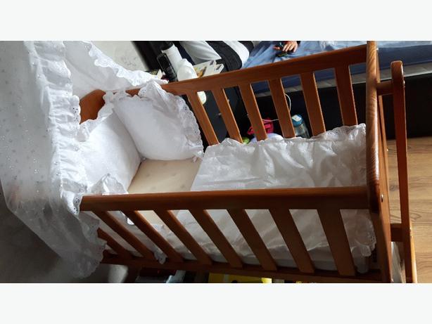 ono swinging baby crib