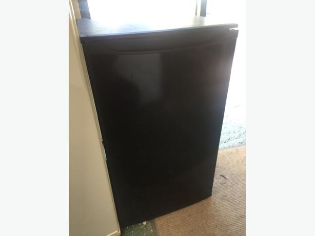 🔍🔍curry black fridge free delivery