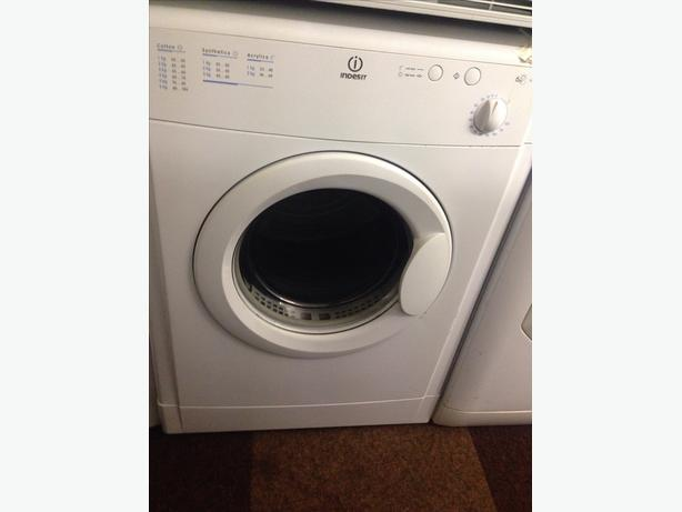 INDESIT VENTED DRYER 6KG