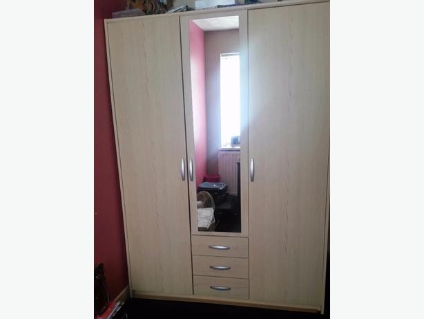3 Door Oak Wardrobe with Drawers