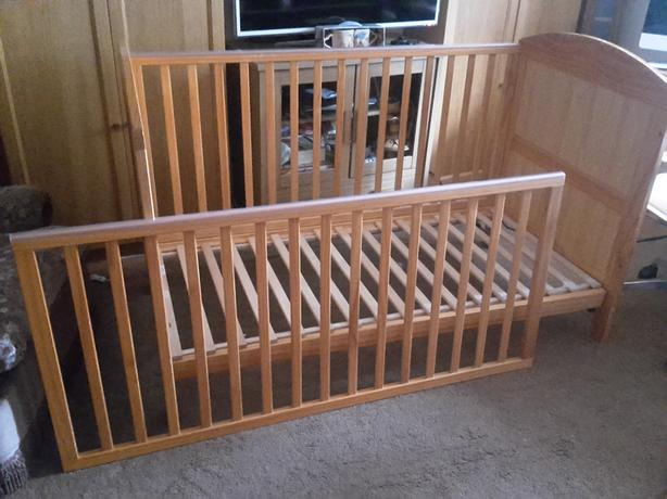 Children Cot bed & mattress