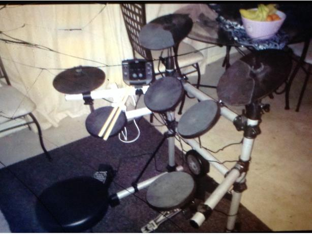ELECTRIC DRUM KIT L@@K