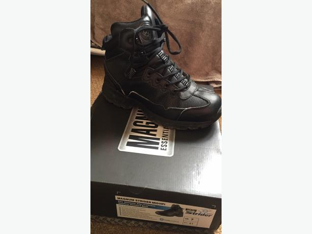 magnum work boots/service boots