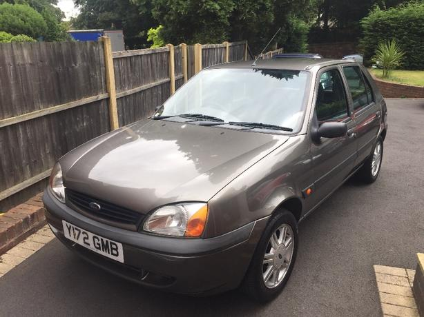 ford fiesta 1.2 litre, 1 LADY OWNER