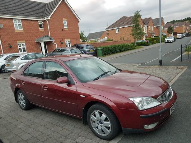 ford mondeo top spec