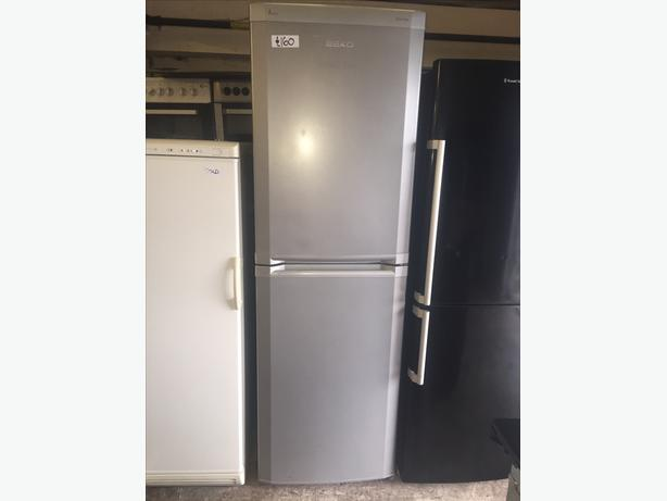 TALL SILVER BEKO FRIDGE FREEZER WITH GUARANTEE