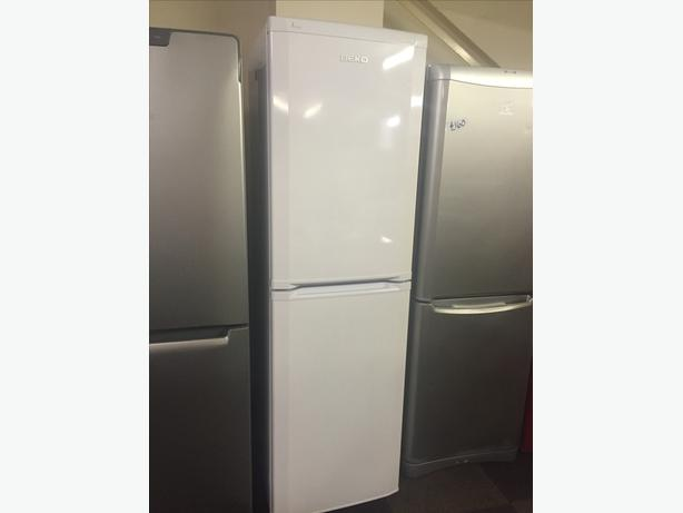 TALL BEKO FRIDGE FREEZER IN GREAT CONDITION WITH GUARANTEE